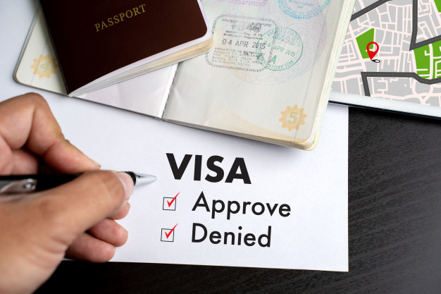 GETTING A VISA AND BECOMING AN ECUADOR RESIDENT
